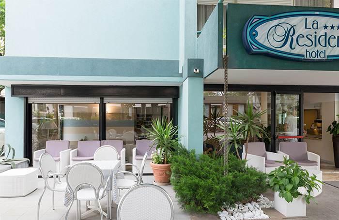 hotel riccione 3 stelle con giardino